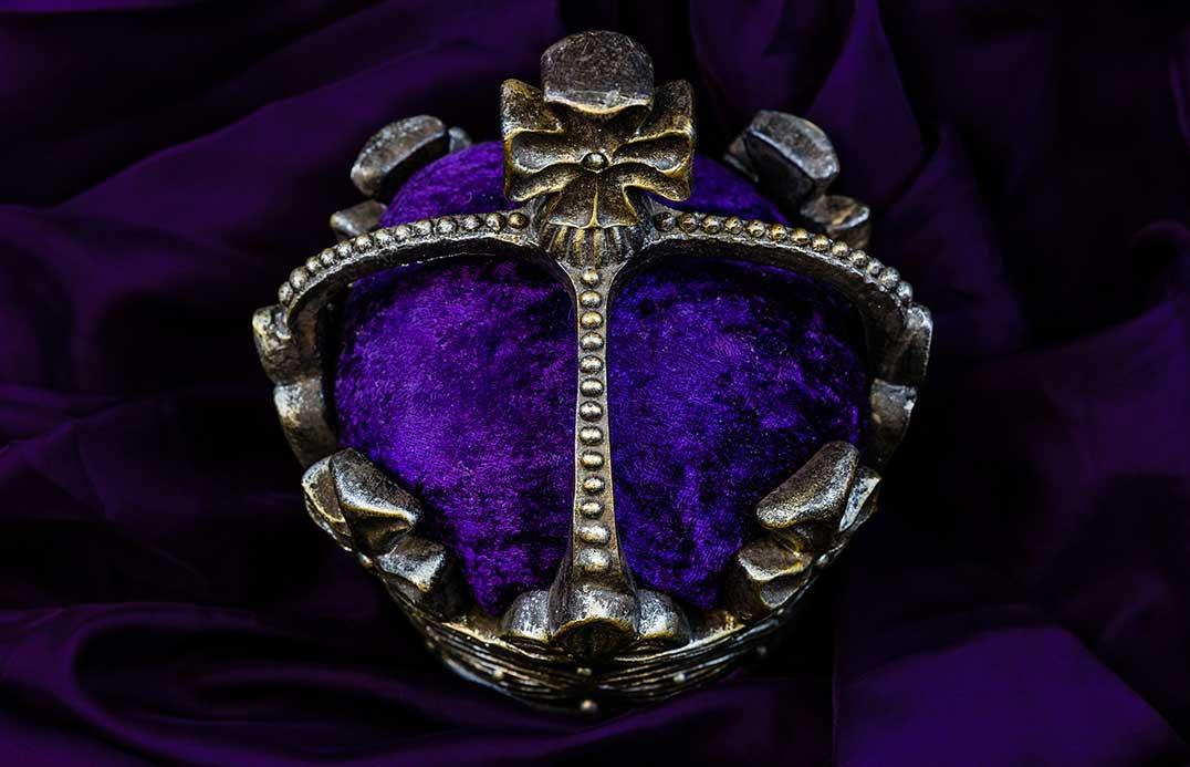 blog-colour-purple-crown-01
